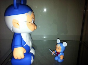 "Vinylmation Fairy Godmother vs. 9"" Merlin"
