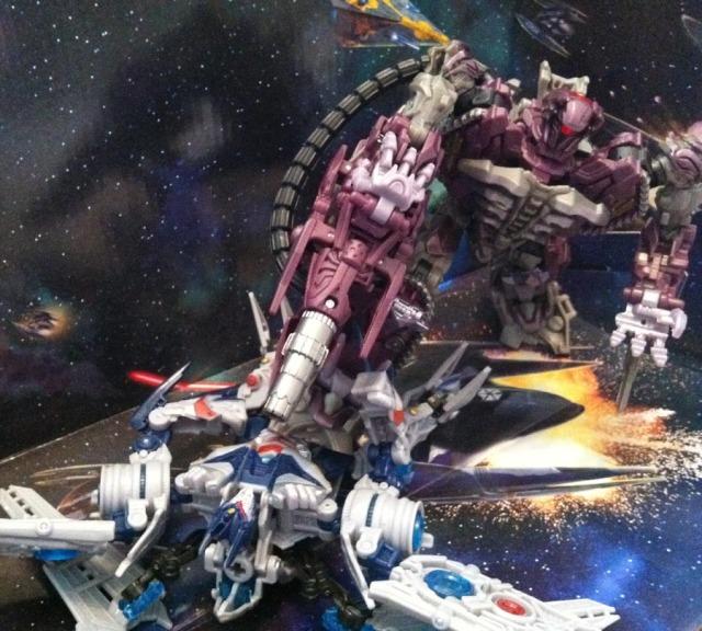 Shockwave kills Soundwave in Transformers: Dark of the Moon