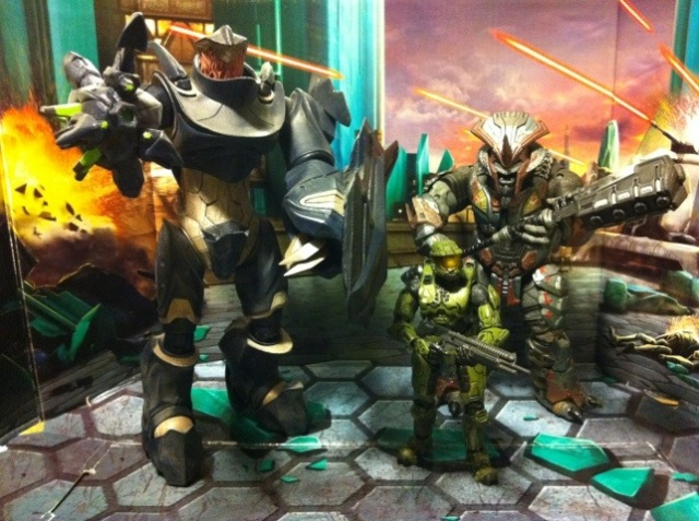 Halo Master Chief, Brute Chietain, and Hunter group shot