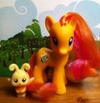 Honeybuzz My Little Pony Friendship is Magic Toy