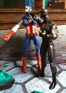 Captain America vs. Shadowland Daredevil Marvel Universe 2012 Action Figure