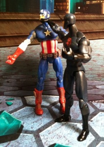 Captain America vs. Shadowland Daredevil Marvel Universe 2012 Action Figure