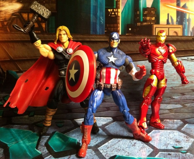 Avengers Assemble Iron Man Captain America Thor Ages of Thunder Marvel Universe 2012 Action Figure