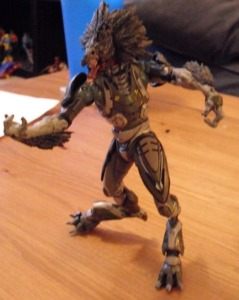 McFarlane Toys Halo Reach Skirmisher Minor shows off his Points of Articulation